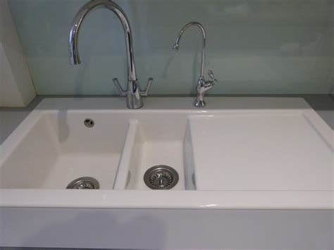 Plumbing Supplies Salisbury by White Ceramic 1 5 Bowl Sink By Villeroy And Boch