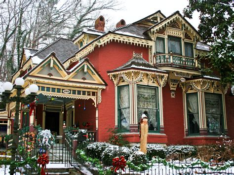 victorian home at christimas eureka springs ar
