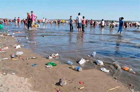 poringueras en las playas vacaciones elevan basura en las playas teorema ambiental