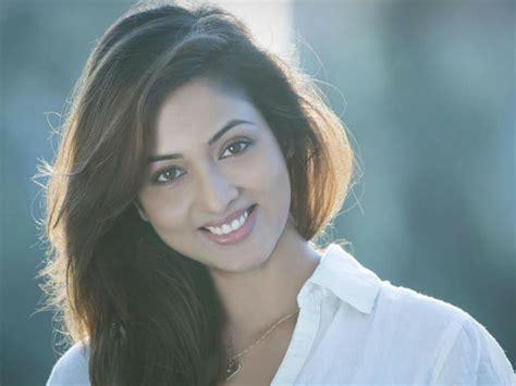 actress vidisha death yeh hai mohabbatein shocker aliya to rescue adi new