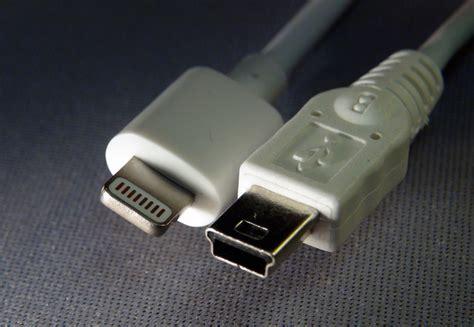Konektor Converter Mircousb Iphone Lightning Connector dosya co of lightning and mini usb plugs jpg vikipedi