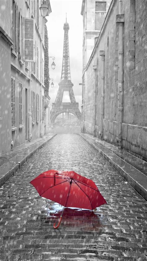 wallpaper for iphone 5 paris red umbrella paris street rainy day eiffel tower iphone 5