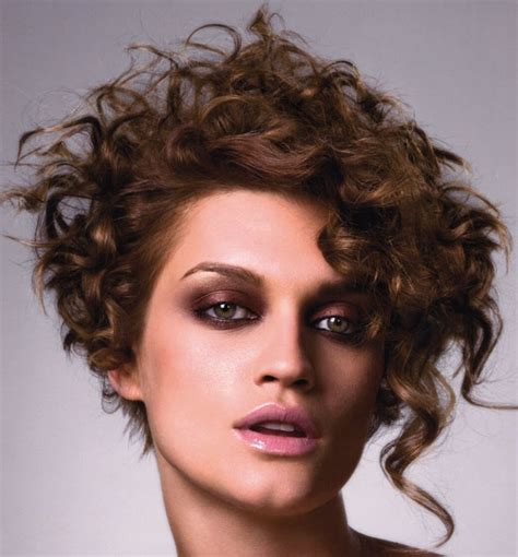 which hair style is suitable for curly hair medium height best 25 curly asymmetrical bob ideas on pinterest