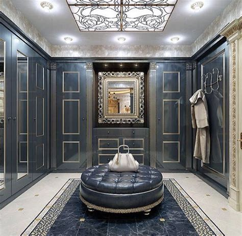 luxury walk  closet  vismara design frame mirror