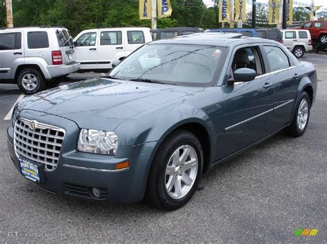 2006 Chrysler 300 Pictures by 2006 Chrysler 300 Information And Photos Momentcar