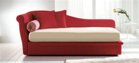 divanetto letto singolo fata divani trasformabili letti singoli bonaldo