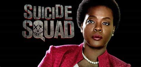 actress amanda davis black lightning viola davis s amanda waller is quot just a bad motherf er quot