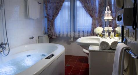 agriturismo con vasca idromassaggio in week end san valentino toscana hotel agriturismi
