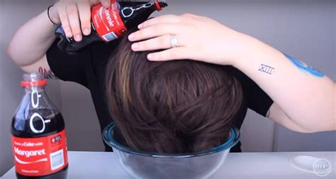 rinsing hair with coca cola she washes her hair using coca cola to get this amazing look