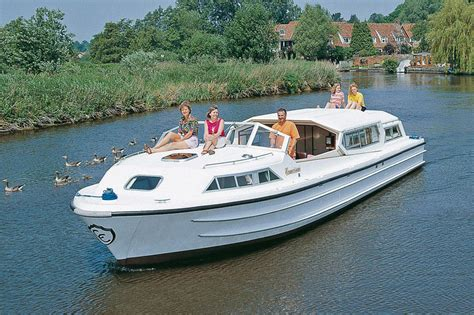 kosten ligplaats woonboot woonboot le boat commodore plus bourgondi 235 huren jacht