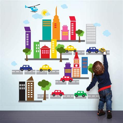 kinderzimmer junge wandgestaltung auto wandsticker kinderzimmer farbe und freude an der