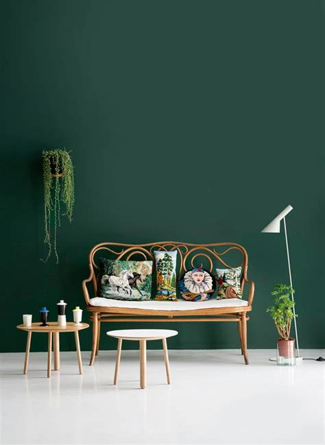 green sofa what color wall paint 25 best ideas about living room green on pinterest