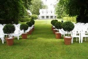 Wedding Aisle Decorations Nz by Wedding Plants For Hire Living Decor Indoor Plant Hire