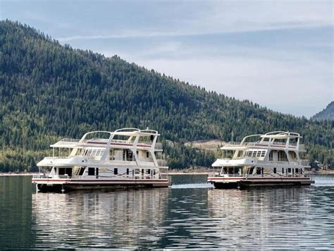 shuswap house boat 94 foot legacy houseboat at lake shuswap lake shuswap pinterest lakes and houseboats