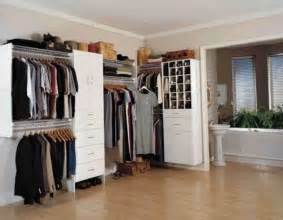 decorate your living room with the most suitable closet