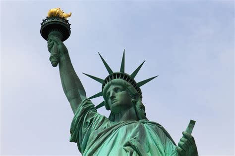 how do you that liberty statue is symbol statue of liberty represent