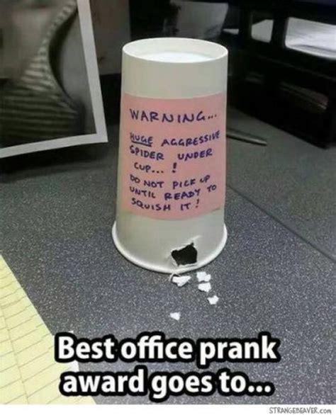 10 Easy Hilarious Pranks Doovi Best 20 Pranks Ideas On Pranks List Of