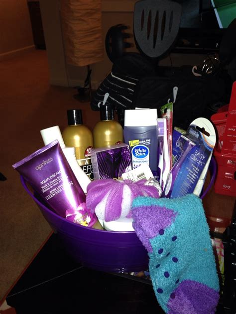 7 Gift Basket Ideas That Rock by 1000 Ideas About Bachelorette Gift Baskets On