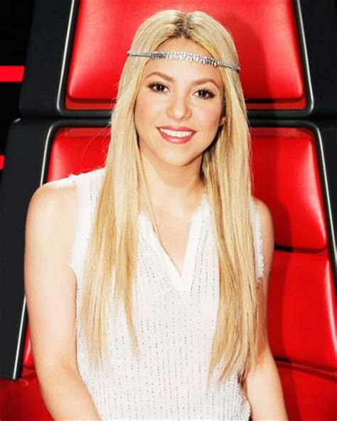 what products does shakira use on her hair the voice season 4 shakira s fashion and beauty looks
