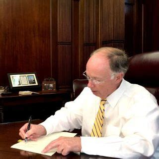 Governor Bentley State Of Emergency Deadly Storms Prompts Gov Bentley To Issue Statewide