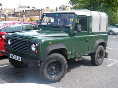 2000 land rover defender 2000 land rover defender images pictures and videos