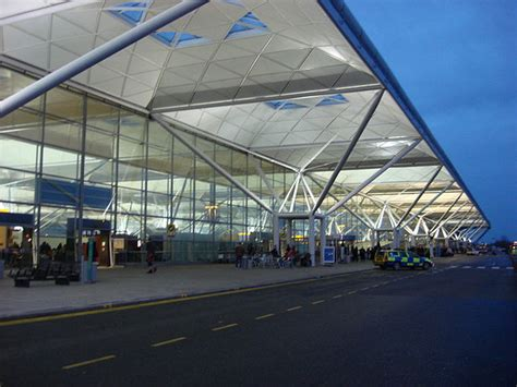 best way to get to stansted airport from central best way to travel to and from stansted airport