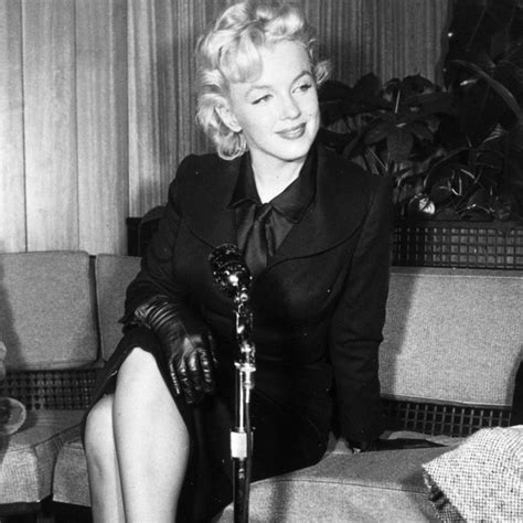 marilyn monroe bench press picture want to try marilyn monroe s actual workout marie claire