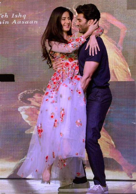 Senar Magic Extraline Akm fitoor promotions aditya bring their on screen chemistry alive on stage indiatoday