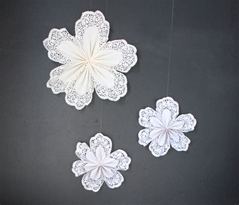 How To Make Paper Doily Flowers - doily flowers make