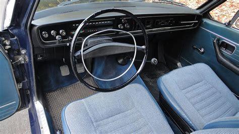 buy   volvo   spd excellent original interior great   road