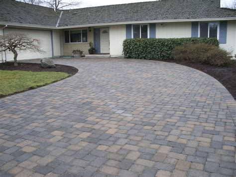 cost to install brick paver driveways
