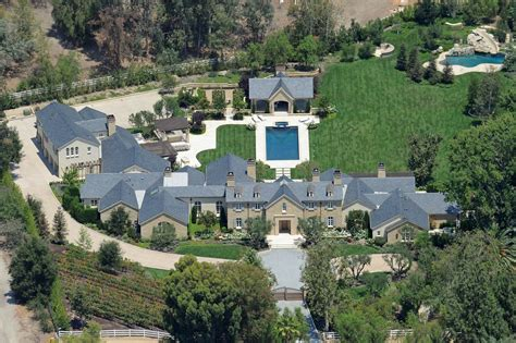 Country Star Home Decor by Kim Kardashian And Kanye West S Hidden Hills Mansion Is Wild