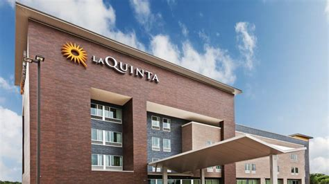 La Quinta Rewards Gift Cards - top 9 hotel rewards programs that can save you the most money gobankingrates