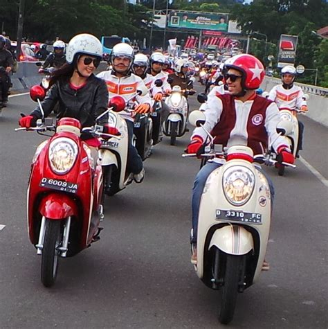Santai Honda Scoopy 2013 by 301 Moved Permanently
