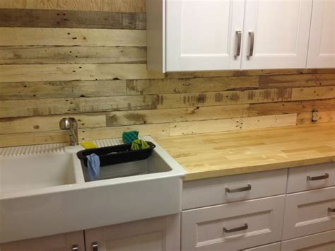 pallet wood backsplash pallet board backsplash follow all of our boards http