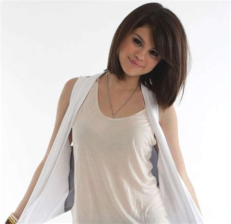 shoulder length hairstyle for tweens image gallary 7 selena gomez short hair beautiful pictures