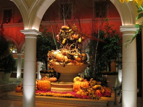 and thanksgiving decorations in las vegas