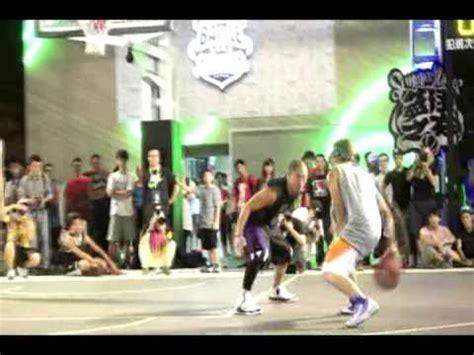 Nike Mba Program by Mba花式街頭籃球隊的小夫 小丹 路易士在nike Summer 的表演賽 Mba Streetball