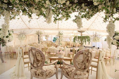 wedding themes gold and cream glamorous arab wedding petite chic wedding cake sweet