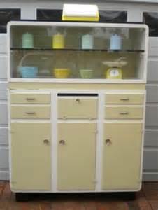 Vintage Kitchen Dresser by 1000 Images About Kitchen Dressers On Kitchen