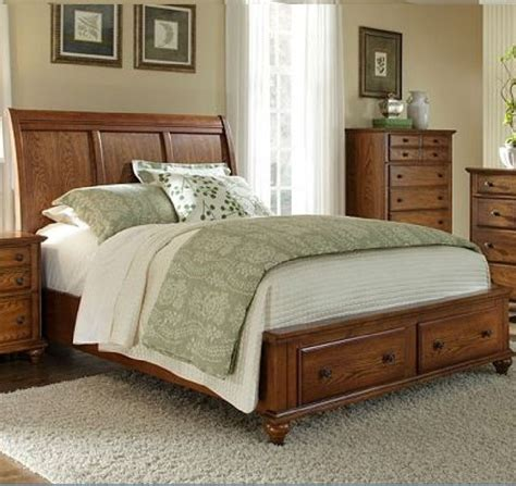 golden oak bedroom furniture broyhill furniture hayden place queen storage sleigh bed