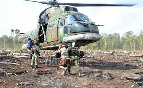 Topi Bpbd Badan Penanggulangan Bencana Daerah patroli dengan satgas ciduk pembakar lahan dari udara