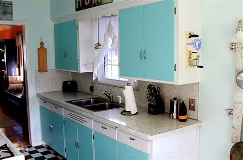 green kitchen is perfect choice for a kitchen wall and kitchen beautiful blue and turquoise are perfect choices