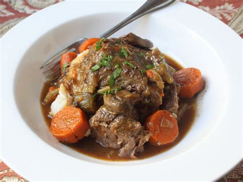 slow cooker beef pot roast recipe how to make beef pot roast in a slow cooker youtube