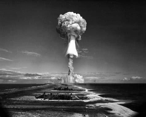 by the numbers world war iis atomic bombs cnncom atomic bomb world war ii 8 x 10 photo picture bwd5 ebay