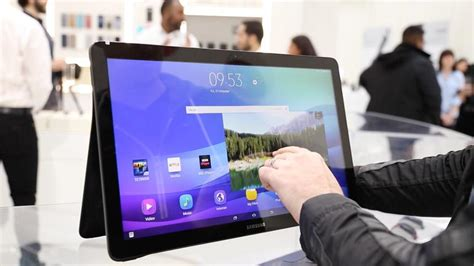 Tablet Mito 9 Inchi Samsung Galaxy View Is An 18 4 Inch Tablet To Compete With Your Tv Cnet