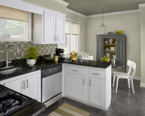 White Kitchen Cabinet Colors by Choose One Of The 2014 Kitchen Cabinet Color Trends My