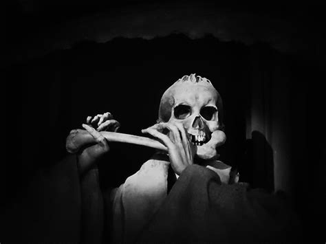 scary animated halloween gifs halloween skeleton gif find share on giphy