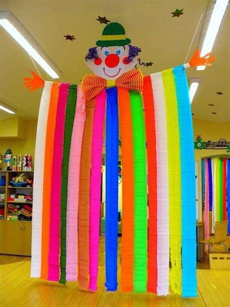 Decor Carnaval by Clowns G 233 Ants Les Cahiers De Jos 233 Phine Carnaval Deco