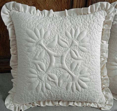 Trapunto Quilt by Ulla S Quilt World Teddy Quilt And Pattern Trapunto